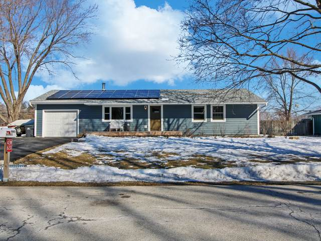 42W620 Star Lane, Sugar Grove, IL 60554 (MLS #11010004) :: RE/MAX IMPACT