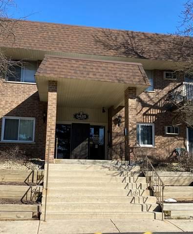 3435 83rd Street C18, Woodridge, IL 60517 (MLS #11011361) :: Janet Jurich