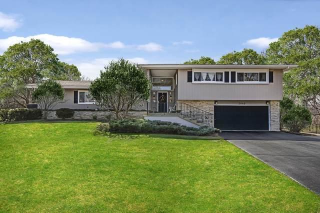 2040 Suffork Road, Northfield, IL 60093 (MLS #11034114) :: Helen Oliveri Real Estate