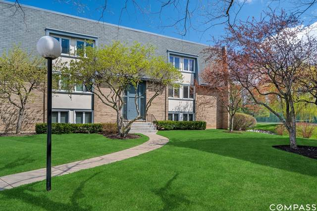 2021 Ammer Ridge Court #301, Glenview, IL 60025 (MLS #11043063) :: Helen Oliveri Real Estate