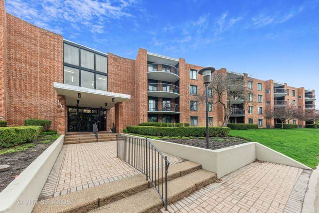 1515 E Central Road 260B, Arlington Heights, IL 60005 (MLS #11050577) :: Helen Oliveri Real Estate