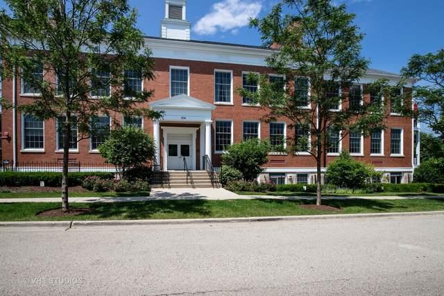 154 School Street T6, Libertyville, IL 60048 (MLS #11057481) :: Helen Oliveri Real Estate
