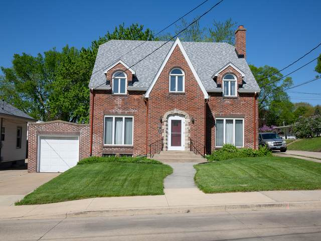 1828 Peoria Street, Peru, IL 61354 (MLS #11072500) :: Helen Oliveri Real Estate