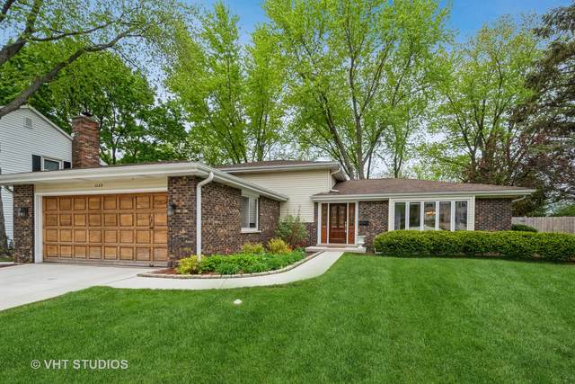 1125 W Golf Road, Libertyville, IL 60048 (MLS #11078652) :: Helen Oliveri Real Estate
