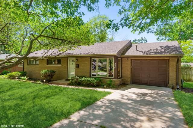 204 Hill Avenue, North Aurora, IL 60542 (MLS #11086892) :: Helen Oliveri Real Estate