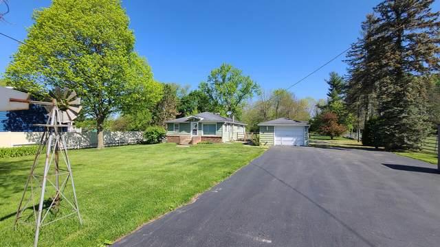 35W396 Pearson Drive, Wayne, IL 60184 (MLS #11087149) :: Helen Oliveri Real Estate