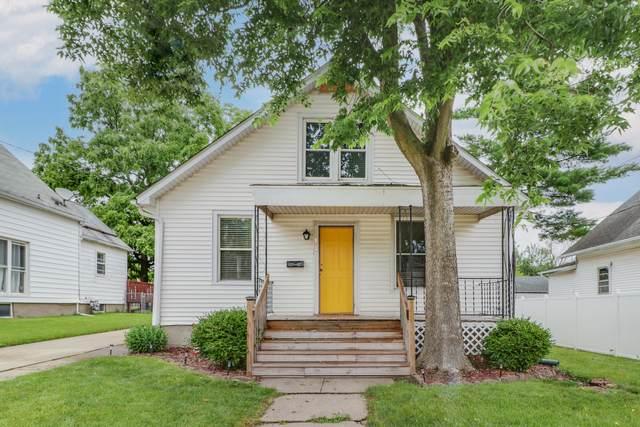 1112 S Oak Street, Bloomington, IL 61701 (MLS #11122019) :: O'Neil Property Group