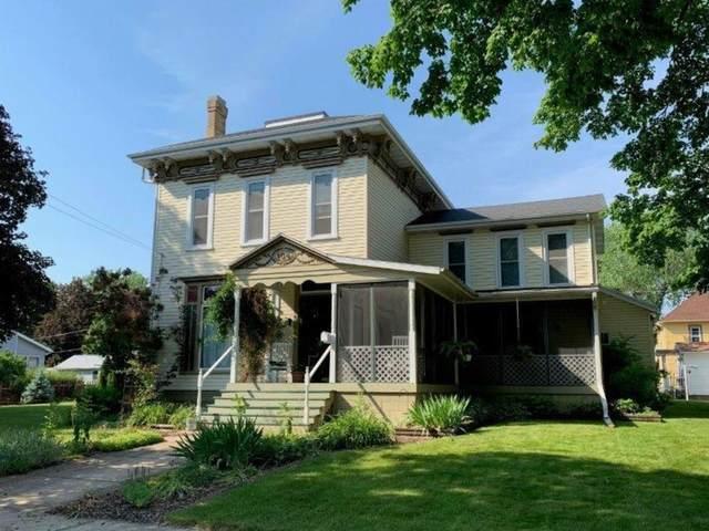 104 W Morris Street, Morrison, IL 61270 (MLS #11128554) :: RE/MAX Next