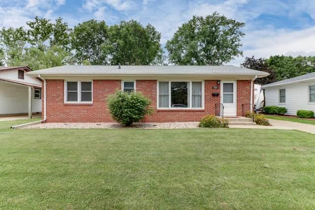 221 Magnolia Drive, Bloomington, IL 61701 (MLS #11153671) :: O'Neil Property Group