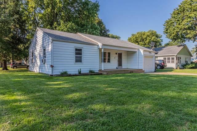 315 E Buckner Street, Tuscola, IL 61953 (MLS #11207633) :: Lewke Partners - Keller Williams Success Realty