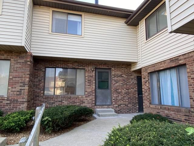 1405 E Vernon Avenue #28, Normal, IL 61761 (MLS #11216654) :: Jacqui Miller Homes