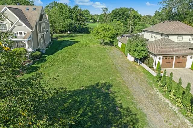 220 Middaugh Road, Clarendon Hills, IL 60514 (MLS #11218404) :: Lewke Partners - Keller Williams Success Realty