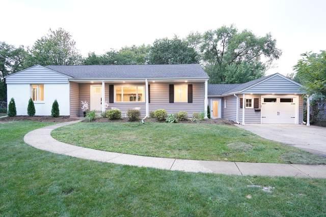 424 Locust Lane, Roselle, IL 60172 (MLS #11222582) :: Angela Walker Homes Real Estate Group