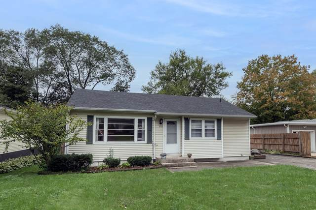 1727 S 4th Place, St. Charles, IL 60174 (MLS #11236573) :: Carolyn and Hillary Homes