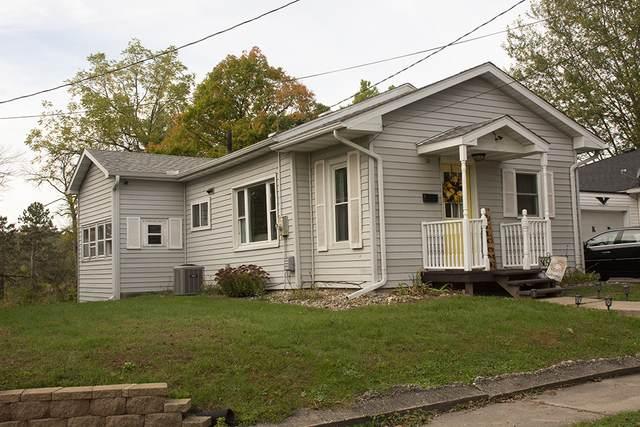 805 W Park Street, Morrison, IL 61270 (MLS #11251728) :: John Lyons Real Estate