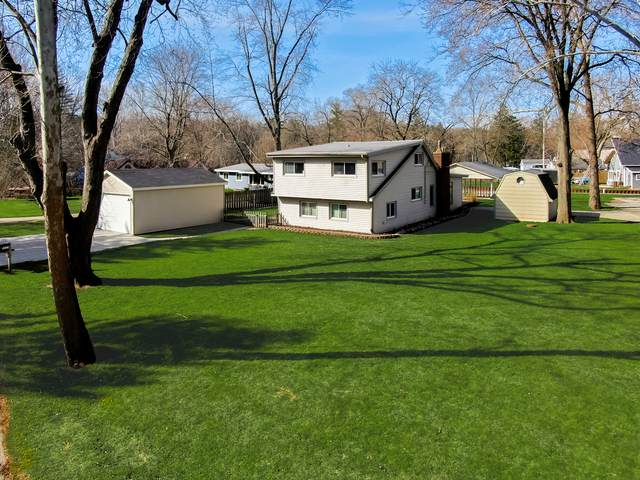 9413 Byrne Drive, Fox River Grove, IL 60021 (MLS #11021081) :: Lewke Partners