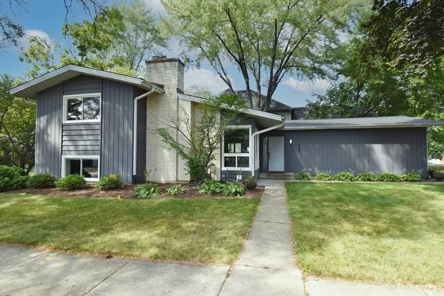 725 E Hillside Road, Naperville, IL 60540 (MLS #11122170) :: The Wexler Group at Keller Williams Preferred Realty