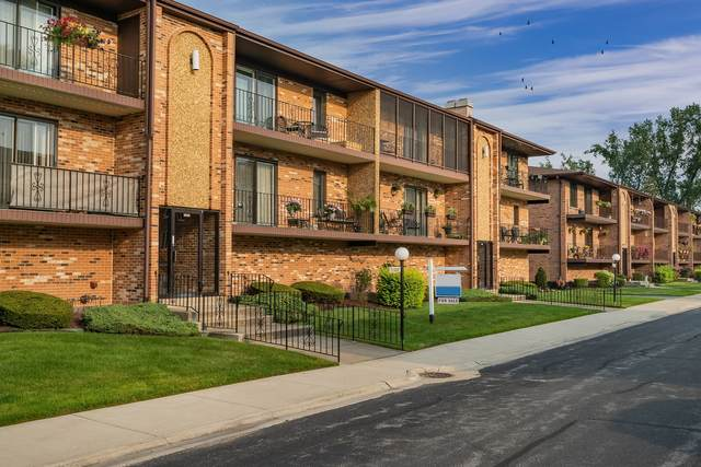 11333 Moraine Drive H, Palos Hills, IL 60465 (MLS #11174511) :: Schoon Family Group