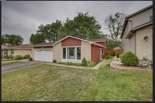 349 E Yorkfield Avenue, Elmhurst, IL 60126 (MLS #11111502) :: Jacqui Miller Homes