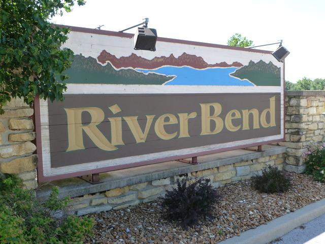 2754 Deer Run Drive - Photo 1