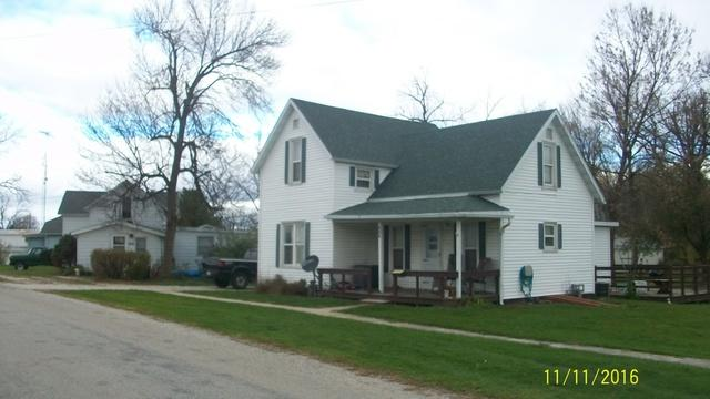 806 Railroad Street, Beaverville, IL 60912 (MLS #09389558) :: The Jacobs Group