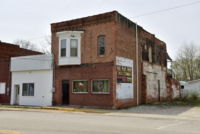 711 St Charles Street, Beaverville, IL 60912 (MLS #09595494) :: Domain Realty