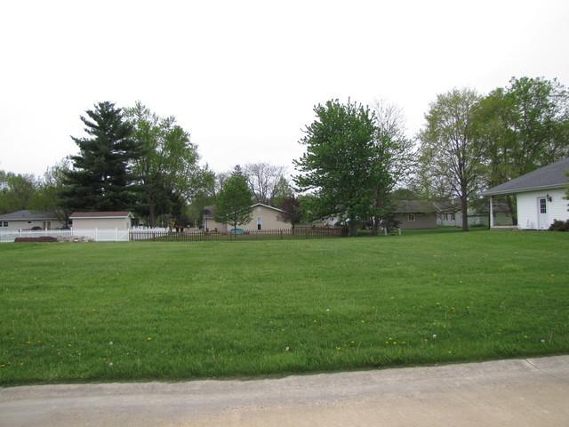 328 Deerfield Drive, Rantoul, IL 61866 (MLS #09602022) :: Baz Realty Network | Keller Williams Elite