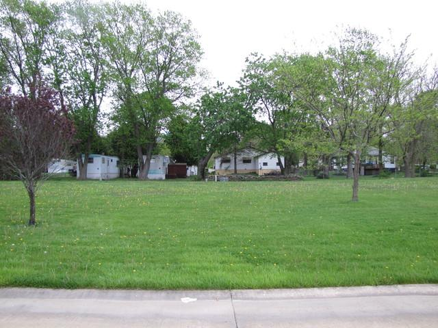 304 Deerfield Drive, Rantoul, IL 61866 (MLS #09602077) :: Littlefield Group