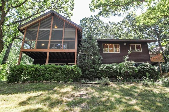 7504 N Coventry Drive, Spring Grove, IL 60081 (MLS #09607748) :: Lewke Partners