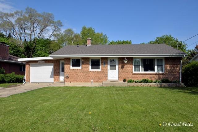 400 S Mchenry Avenue, Crystal Lake, IL 60014 (MLS #09614229) :: MKT Properties | Keller Williams