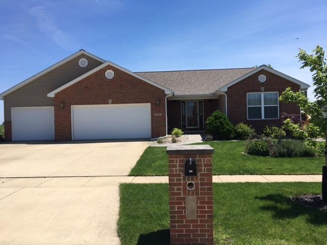 109 Wilshire Drive, Tuscola, IL 61953 (MLS #09634655) :: Littlefield Group
