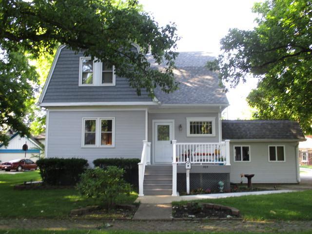 305 E Houghton Street, Tuscola, IL 61953 (MLS #09643929) :: Littlefield Group