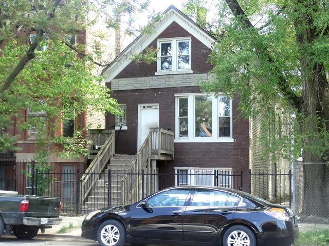 1037 N Hamlin Avenue, Chicago, IL 60651 (MLS #09648338) :: Ani Real Estate