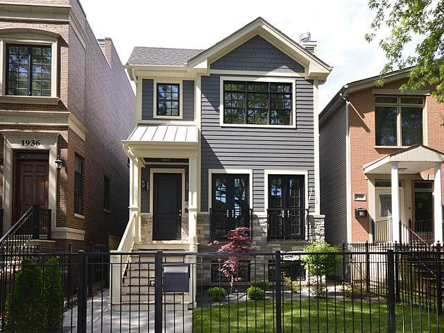 1932 W Nelson Street, Chicago, IL 60657 (MLS #09657153) :: Domain Realty