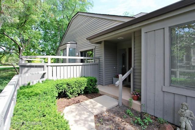 662 Shoreline Road, Lake Barrington, IL 60010 (MLS #09660503) :: The Jacobs Group