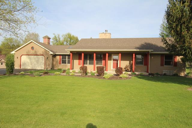2 Fox Glen Court, Yorkville, IL 60560 (MLS #09663205) :: Angie Faron with RE/MAX Ultimate Professionals