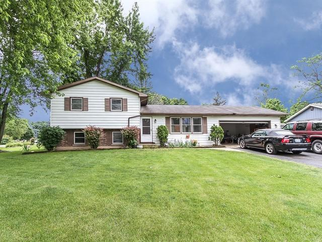 38 Boat Lane, Oswego, IL 60543 (MLS #09664069) :: Angie Faron with RE/MAX Ultimate Professionals