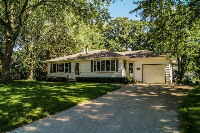 4010 Maple Avenue, Mchenry, IL 60050 (MLS #09669995) :: Lewke Partners
