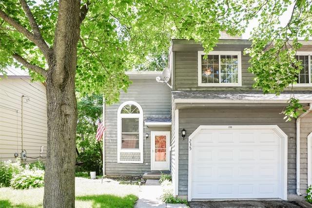 235 N Washington Street, Carpentersville, IL 60110 (MLS #09671373) :: Littlefield Group