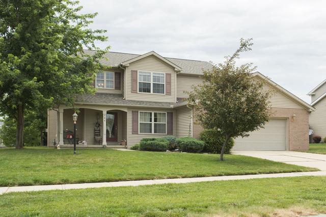 704 Dove Drive, Mahomet, IL 61853 (MLS #09672012) :: Littlefield Group