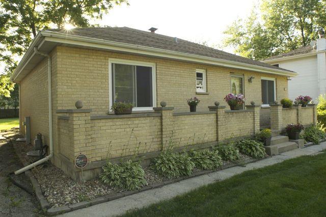 8824 S Palisades Road, Burr Ridge, IL 60527 (MLS #09674679) :: Littlefield Group