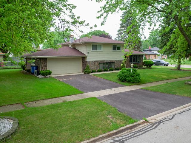 7800 W 107th Street, Palos Hills, IL 60465 (MLS #09691081) :: The Wexler Group at Keller Williams Preferred Realty