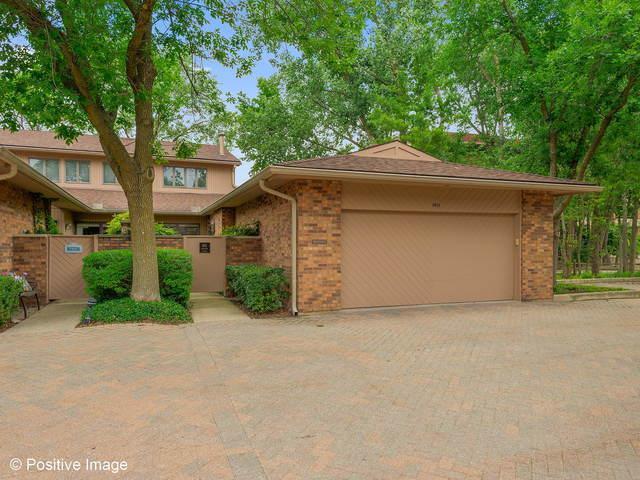 1411 Burr Oak Court 15-A, Hinsdale, IL 60521 (MLS #09692306) :: Domain Realty
