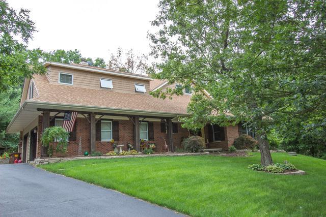 202 Saddlewood Circle, Dixon, IL 61021 (MLS #09693186) :: Key Realty