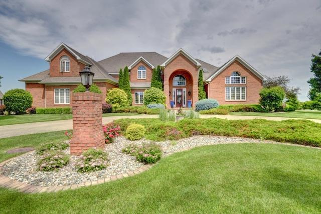 820 Lakeshore Drive, Tuscola, IL 61953 (MLS #09693912) :: Littlefield Group