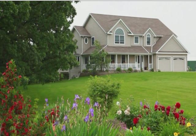 560 Rolling Hills Road, Dixon, IL 61021 (MLS #09694065) :: Key Realty