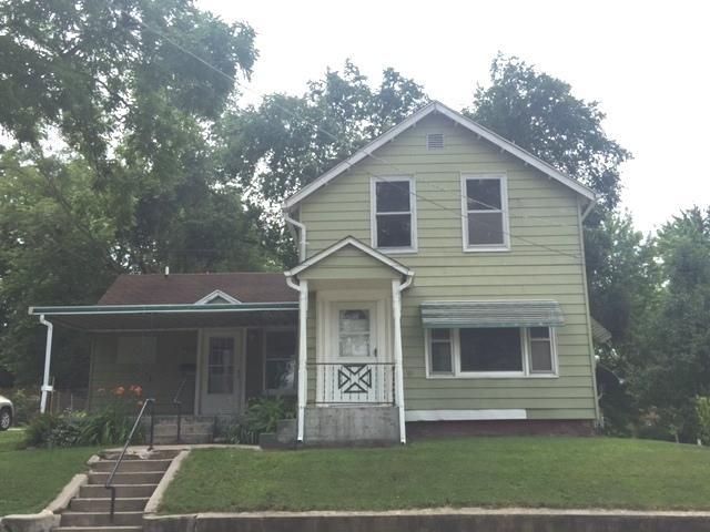 922 W 7th Street, Dixon, IL 61021 (MLS #09694156) :: Key Realty