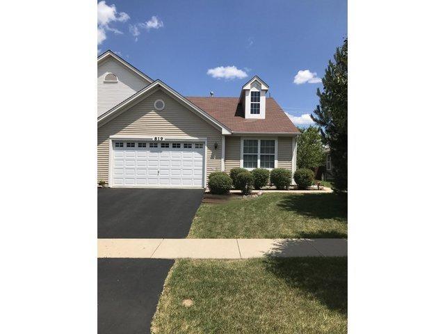 819 Bellevue Circle, Oswego, IL 60543 (MLS #09694700) :: The Dena Furlow Team - Keller Williams Realty