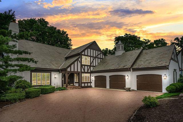 202 Burr Ridge Club Drive, Burr Ridge, IL 60527 (MLS #09696558) :: The Wexler Group at Keller Williams Preferred Realty