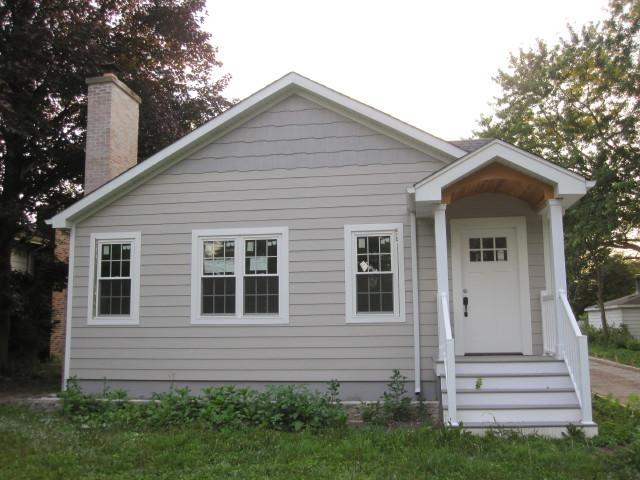 6106 Lee Avenue, Downers Grove, IL 60516 (MLS #09696987) :: The Dena Furlow Team - Keller Williams Realty